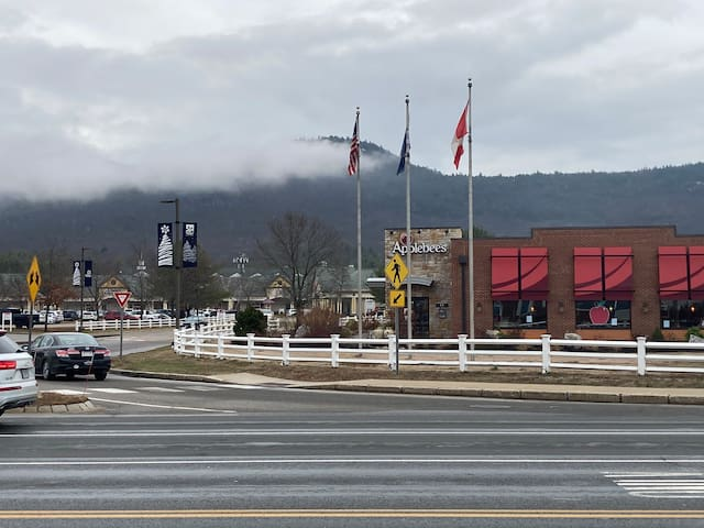 North Conway skiing & shopping pleasures