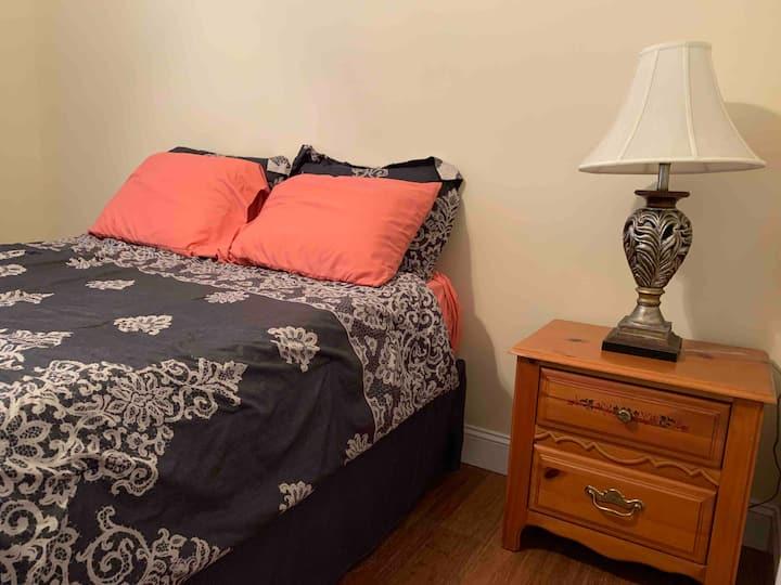 Back Queen Bed in Auburn