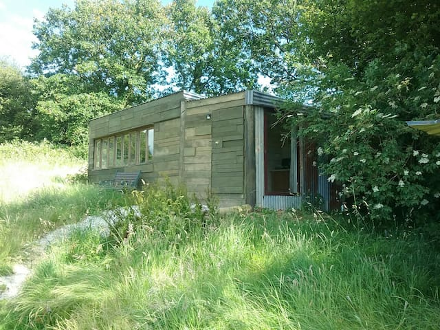 Cosy off grid cabin,en-suite and amazing moor view