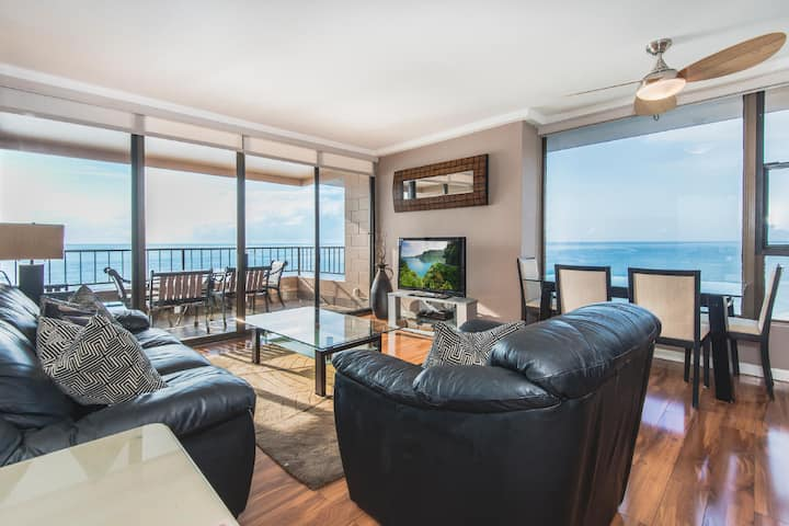 Penthouse Corner - Direct Oceanfront -One Bedroom