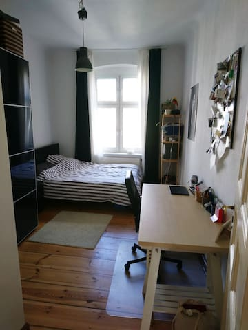 Beautiful room, brightly apartment in Mitte - Berlin - Apartment
