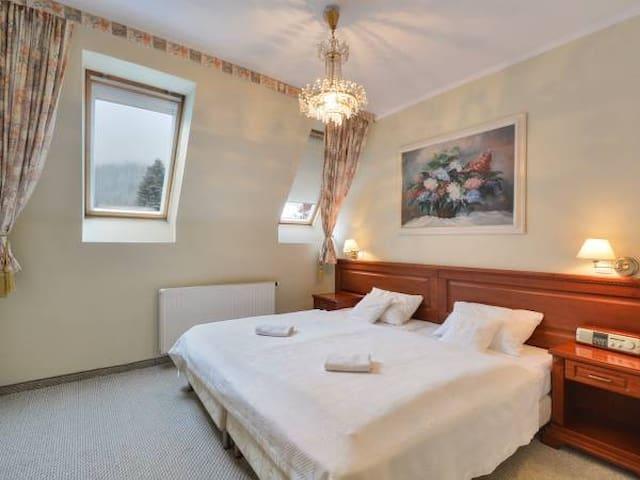 105-Apartament rodzinny z dużym tarasem na góry