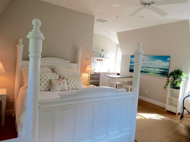 Beautiful Guest House in Chilmark