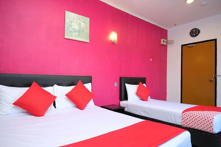 Discounted! Suite Triple@ Sri Padang Inn