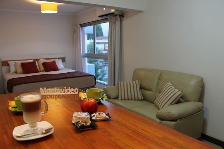 Superior Studio 2 with Queen bed 200m from the sea - Montevideo - Apartemen