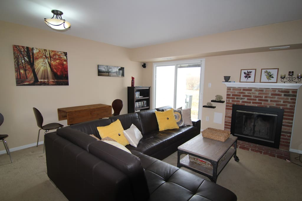 Great living area - Bose sorround sound, large TV comfie couch