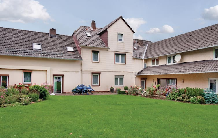 Holiday apartment with 3 bedrooms on 110 m² in Fürstenberg/Weser