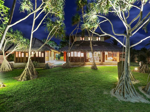 SARANGKITA,Luxury Beach Front Villa