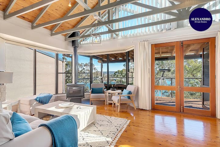 STUNNING WATERFRONT ESCAPE AT DALEYS POINT
