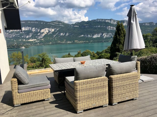 Lake View Luxury Base For Outdoor Alps Life