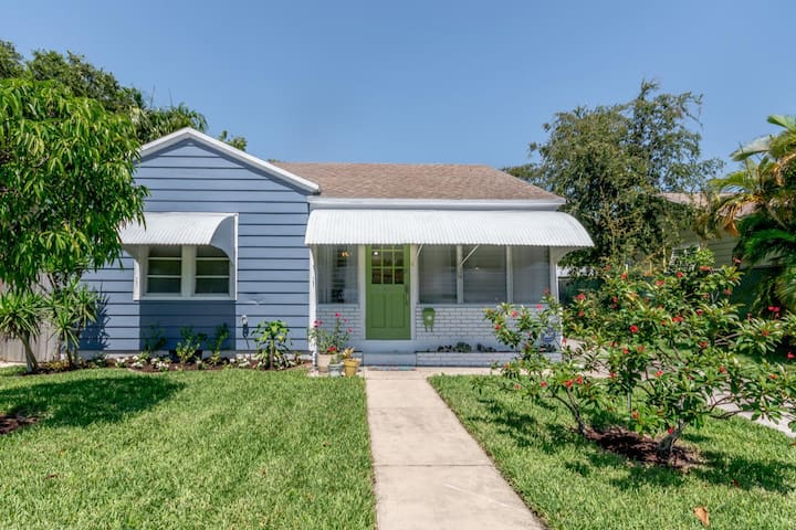 Downtown West Palm Home in Historic Pineapple Park