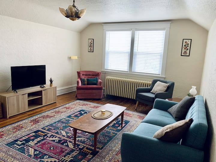 Downtown Apartment - great walkability!