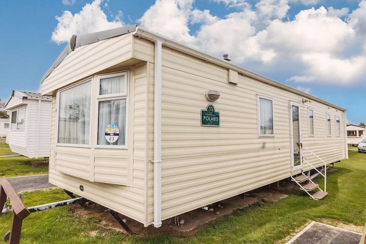 8 berth caravan for hire at Haven Caister beach holiday park  Norfolk ref 30063F