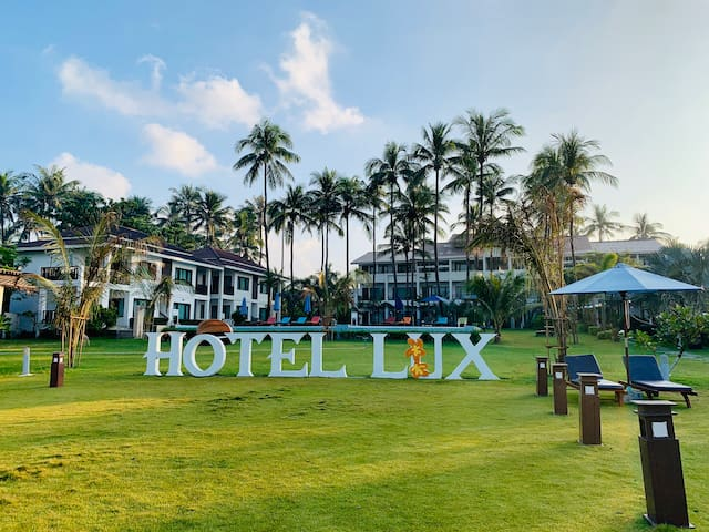Hotel Lux -Superior Garden View Room @Ngwe Saung