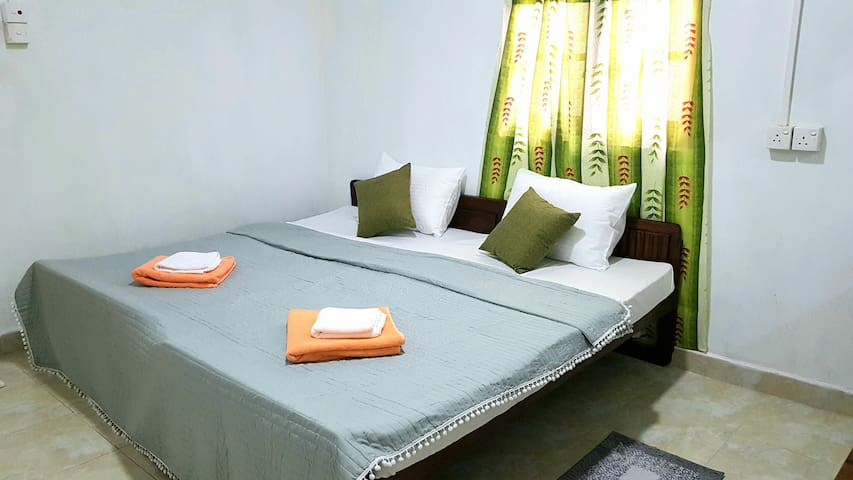 Double Room (A/C + Private Bathroom + Hot Water) c
