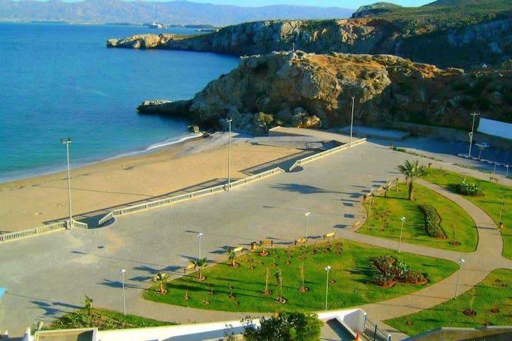 Appartement meublé proche de la mer     شقة مفروشة