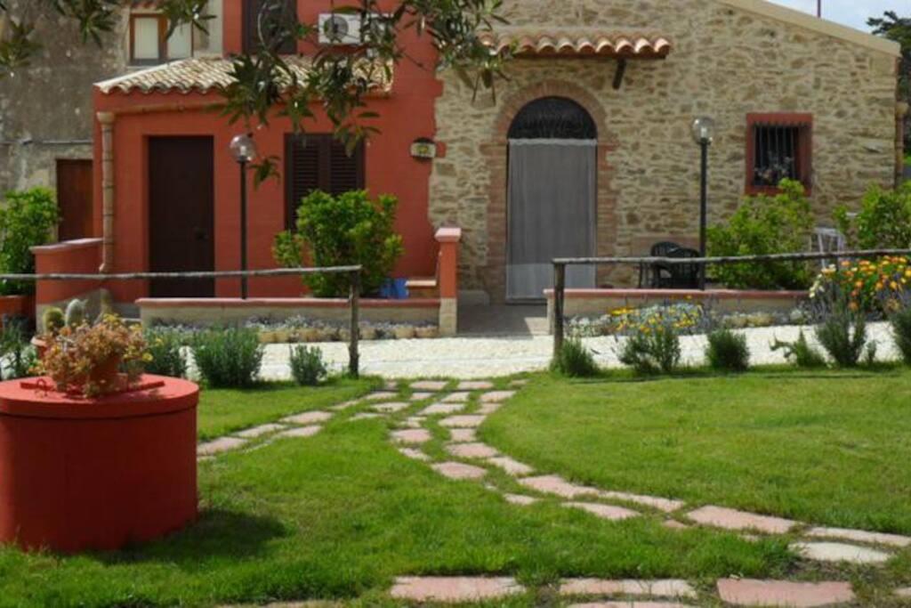 Casa vacanza ficodindia houses in affitto a sciacca for Case arredate in affitto sciacca