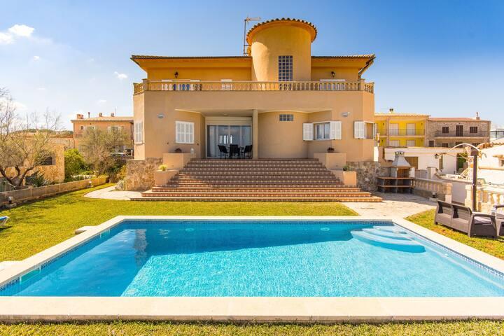 Villa El Sol for 8 people in Son Serra de Marina Mallorca