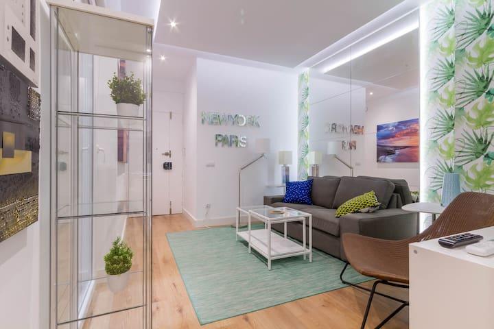 Apartment with Terrace. La Latina, Madrid Centre