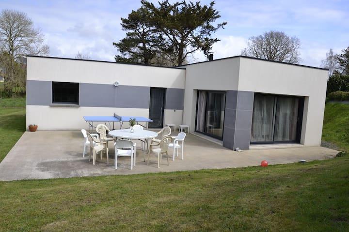 LOCATION MODERNE A 5MIN A PIED DE LA PLAGE , - Lannion - Feriehjem