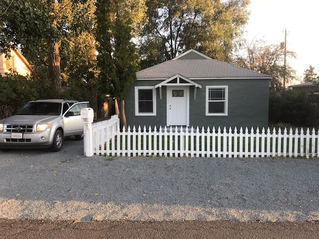 2 Bedroom house in town.  Dishwasher.  Remodeled!