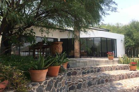 Casa en la Presa de Zimapan