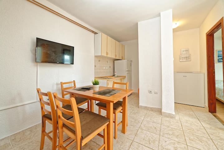 Apartments Vedrana / One bedroom A1 - Dobrinj - Appartement