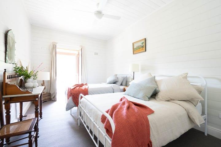 Royal Hotel Sofala - Room 5