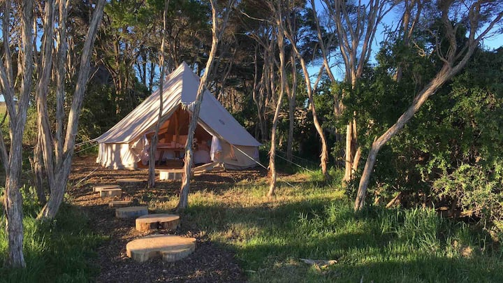 Sheltered Glamping Phillip Island- 'Rockhopper'