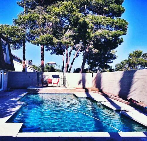 Strip-View Home W/ Pool   Private Rooms [16 max] - Las Vegas - Casa