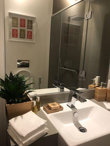 The shisha bathroom