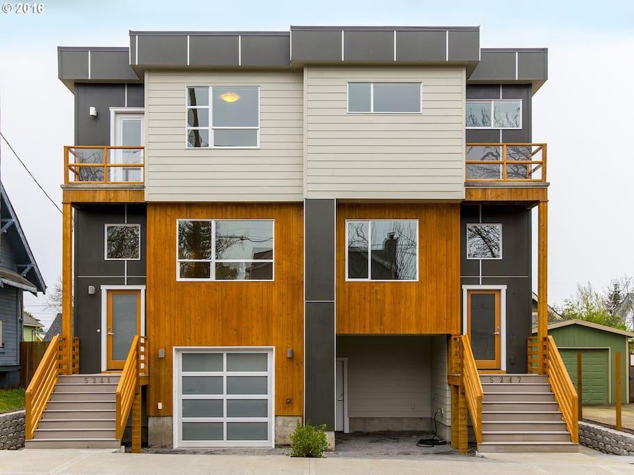 Casa brian guest suites for rent in portland oregon for House plans portland oregon