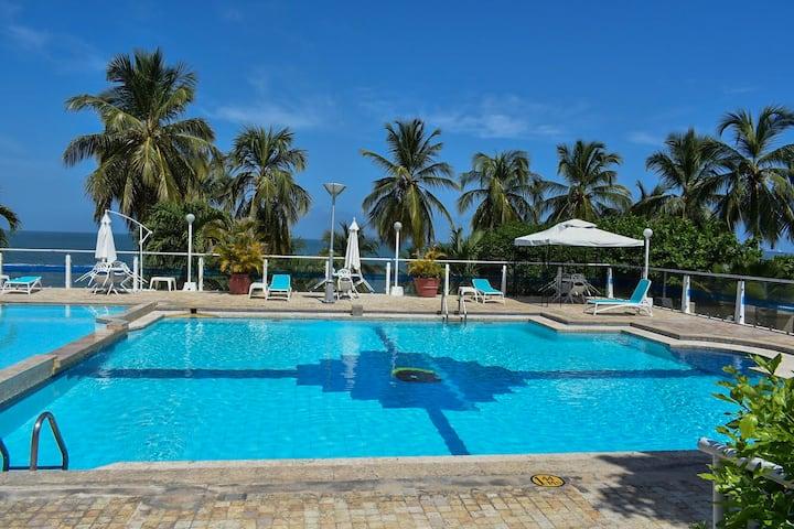 Apartment in the city Santa Marta - private beach
