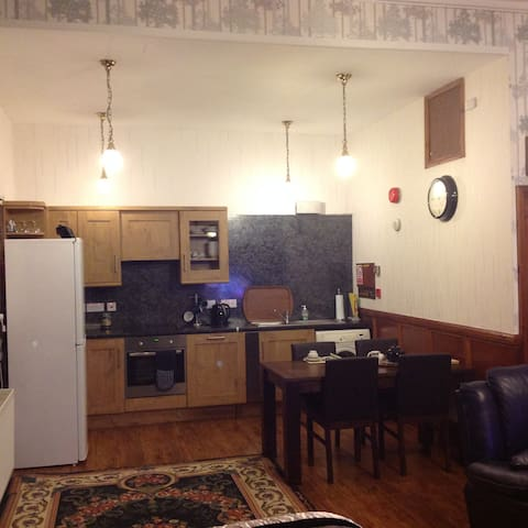 Executive Apartment - open plan large suite - Wick - Appartement