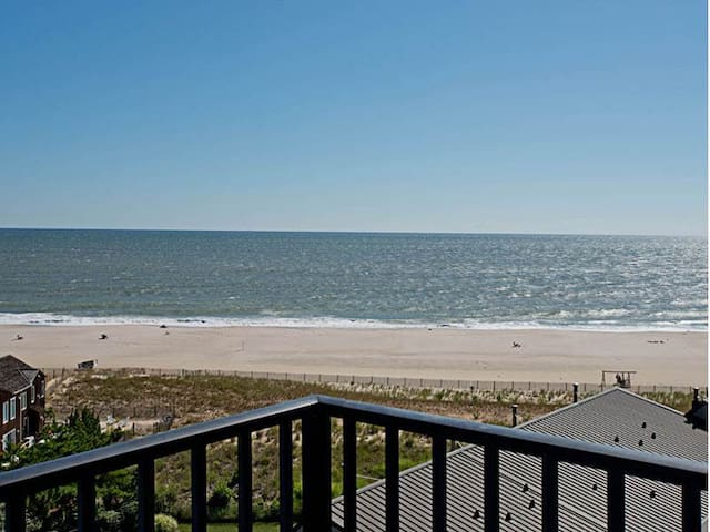A809: Updated 1BR Sea Colony Oceanfront Condo! Private Beach, Pools, Tennis ...