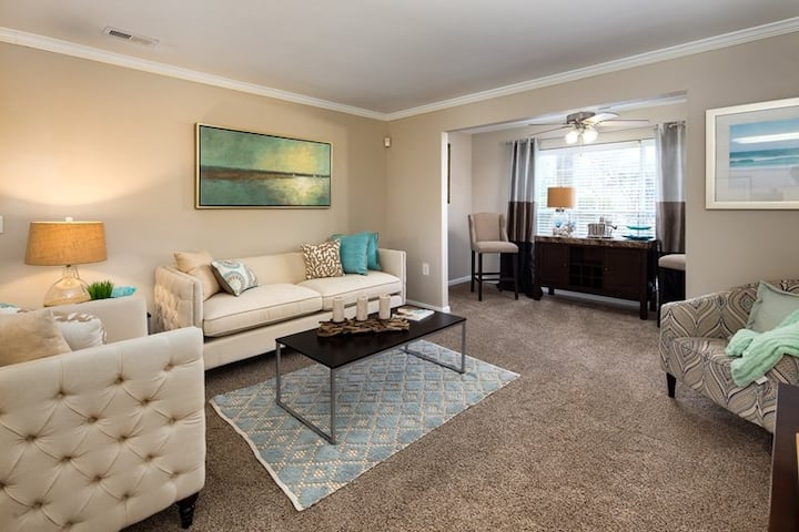 High-End 2BR/2BA w/ great amenities in Charleston