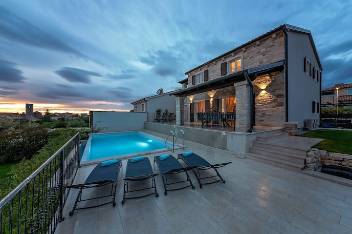 Charming Villa Bellevue with a panoramic view