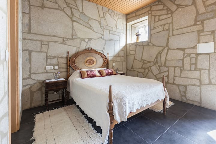 Rustic room for max 3 - Ponte de Lima