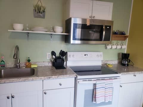 Florida happy spot for two! Pets friendly !