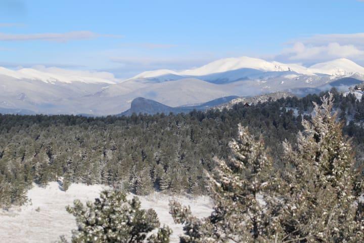 Luxury Mountain Retreat...  Enjoy the views!