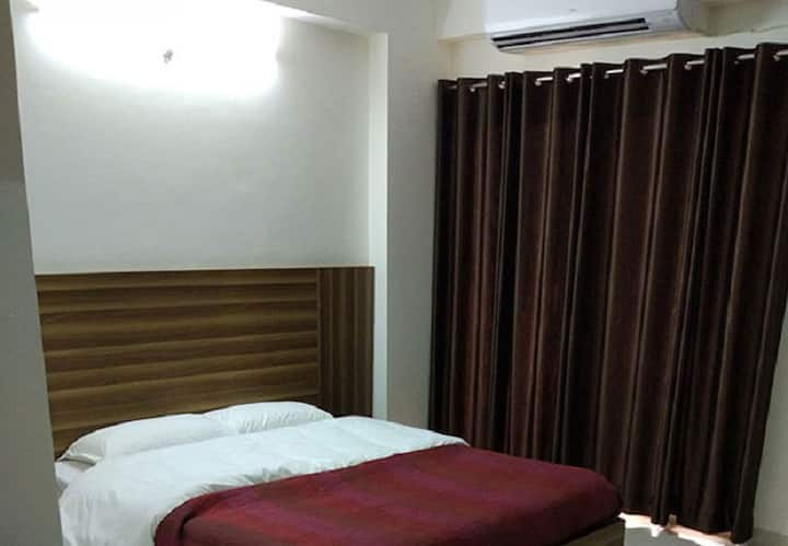 Two Bedroom Suite In The Holy City Of Vrindavan-EP