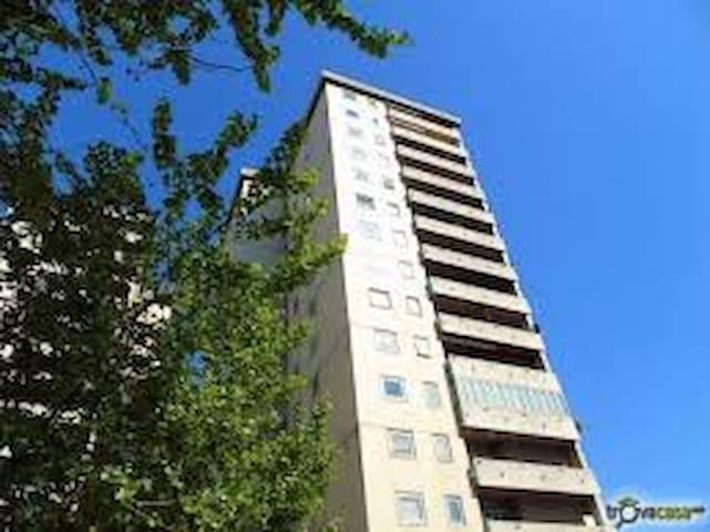 appartamento per famiglie molto luminoso - Trieste - Lägenhet