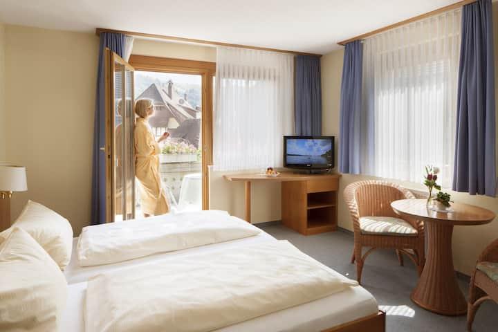 Hotel-Gasthof Vier Löwen, (Schönau), Feldberg, Doppelzimmer mit Dusche und WC