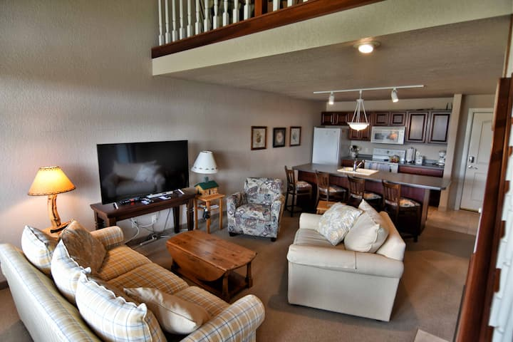 T306 Beautiful condo on Tagalong Golf Course overlooking Red Cedar lake