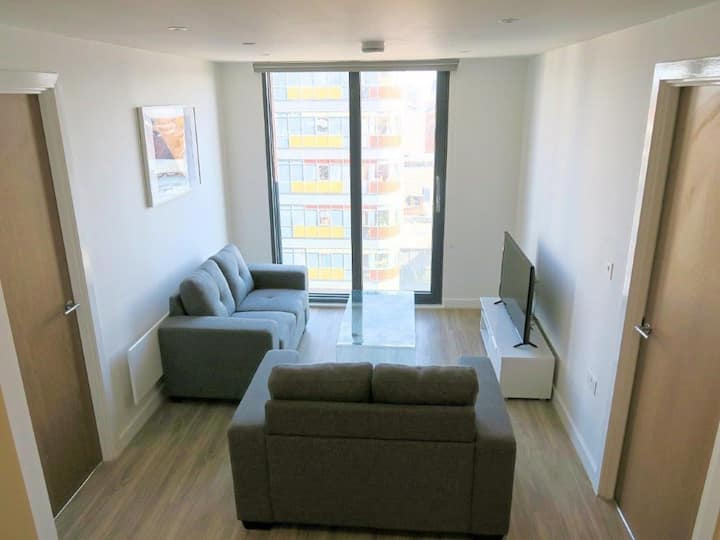 Enjoy a visit to Manchester and stay in the heart of the city! Apartment with Equipped Kitchenette