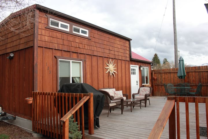Dixie Creek Bungalows, a  not so Tiny, Tiny Home
