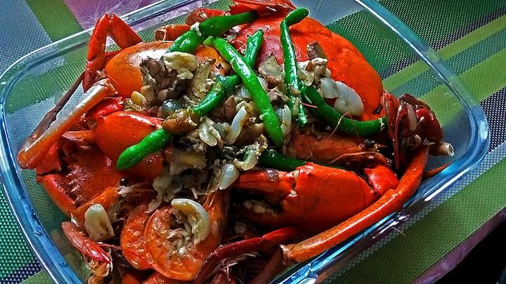 Lunch Garlic Seafood Bucket