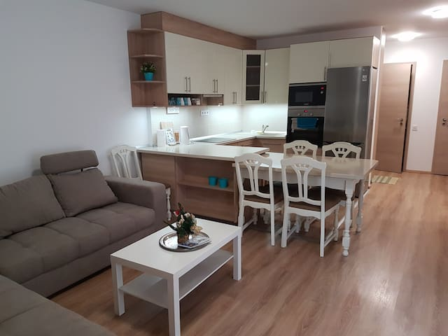 New & comfortable apartment with terrace
