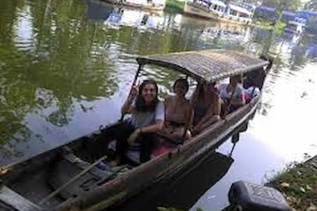Day trip on a canoeing - Alappuzha - Boat
