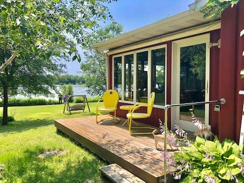Scenic & Serene Lakefront Cottage w/ Wood Stove 🌳